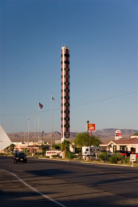 World's tallest thermometer - Wikipedia
