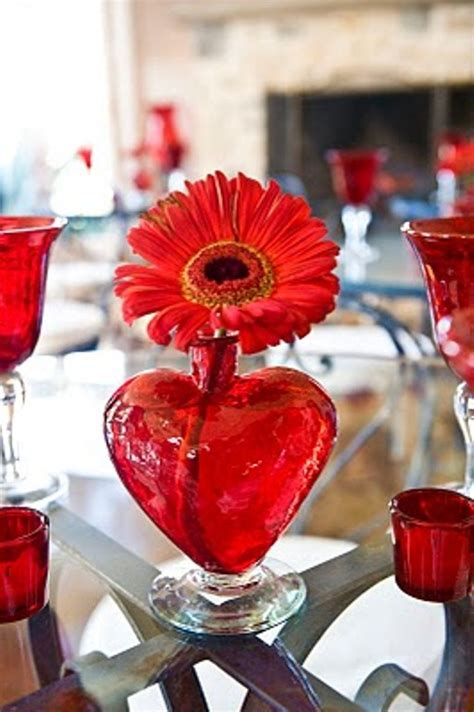 28 Cool Heart Decorations For Valentine's Day - DigsDigs