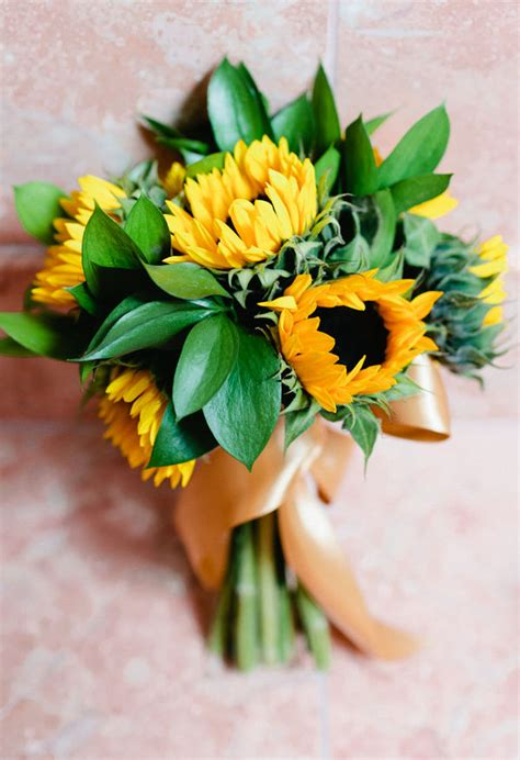 Warmth and Happiness: 20 Perfect Sunflower Wedding Bouquet