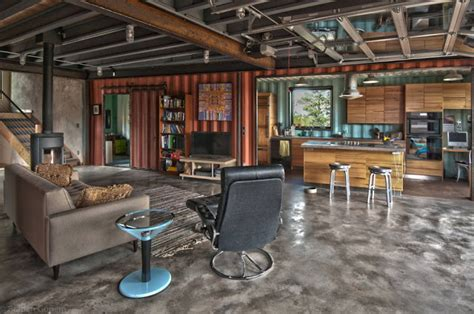 Shipping Container Homes: Green Off-the-Grid Shipping