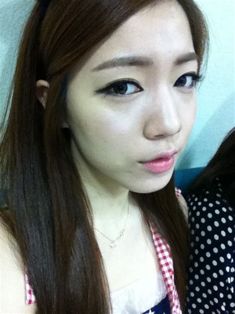 "T-ara Hwayoung says ""See you on Inkigayo"" 