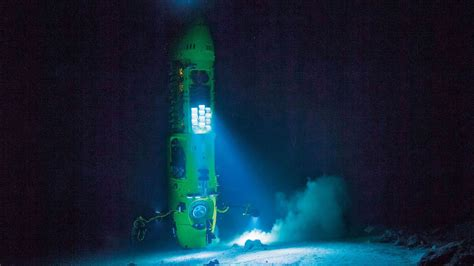 Descending Into The Mariana Trench: James Cameron's