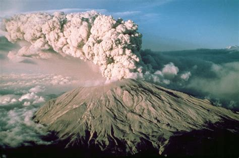 Mount St Helens 'marching towards eruption' as 120