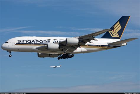 9V-SKS Singapore Airlines Airbus A380-841 Photo by Sierra